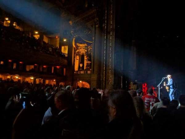 Chicago Theatre, Abschnitt: Main Floor 3R, Reihe: AA, Platz: 310