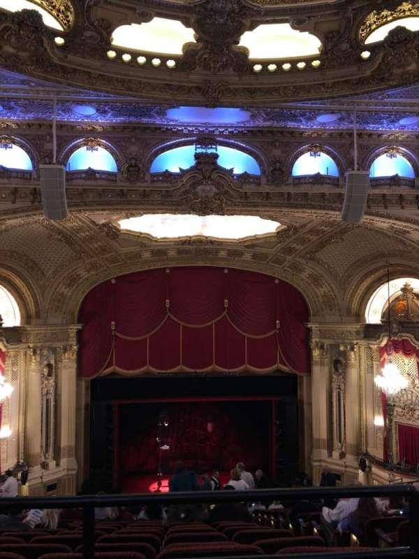 Citizens Bank Opera House, Abschnitt: Balcony Center, Reihe: P, Platz: 111