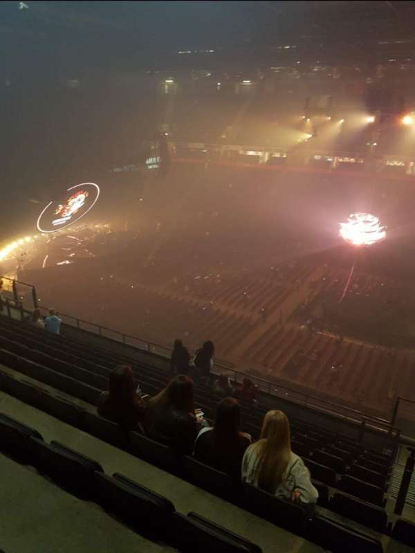 Manchester Arena, Abschnitt: 204, Reihe: L, Platz: 27