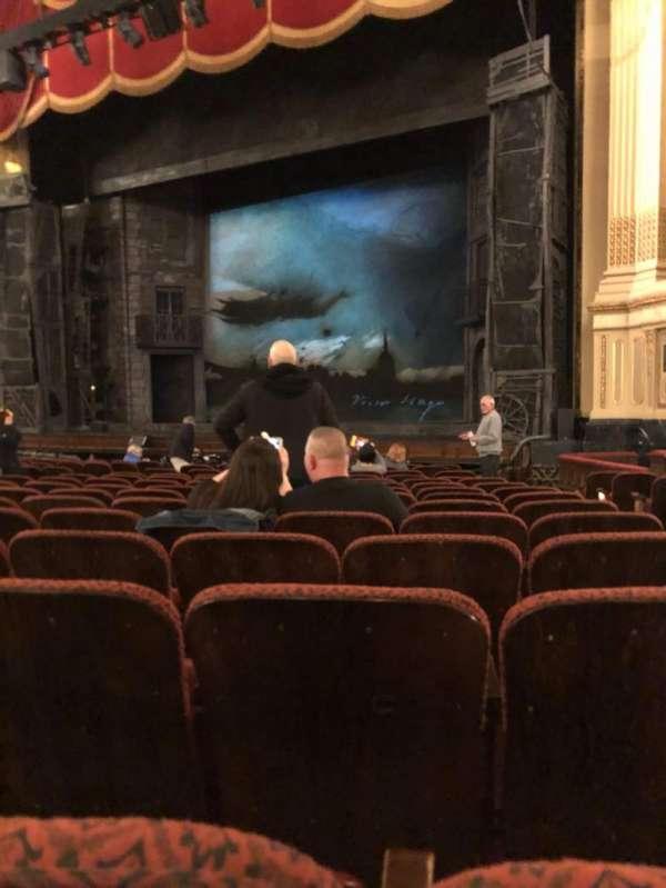 Citizens Bank Opera House, Abschnitt: Orchestra Right Center, Reihe: K, Platz: 26