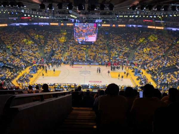 Oakland Arena, Abschnitt: 216, Reihe: 10, Platz: 17