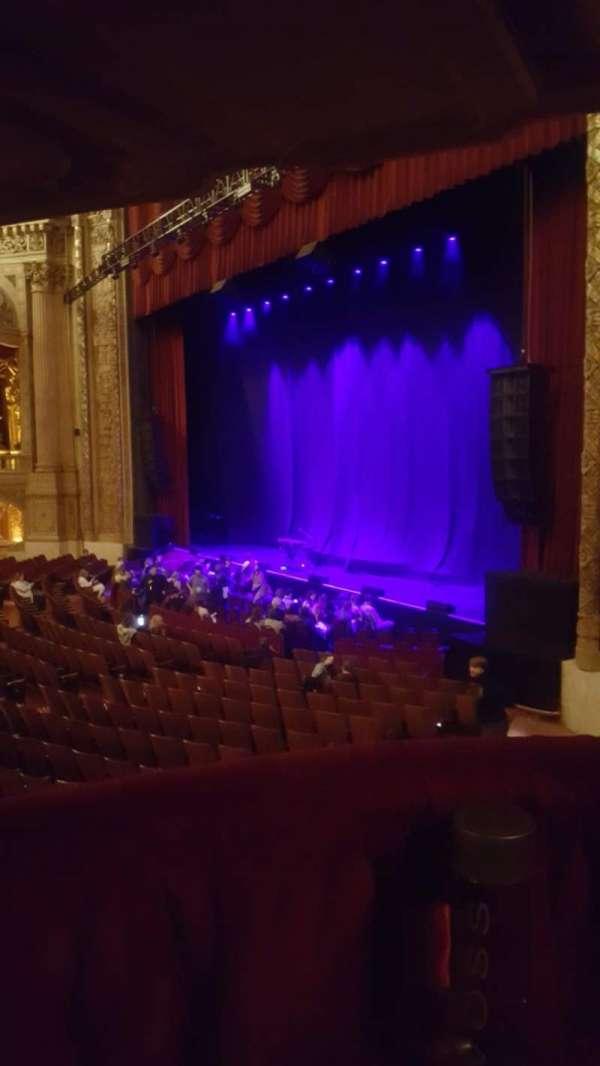 Chicago Theatre, Abschnitt: Mezzanine Box B, Reihe: 1, Platz: 2