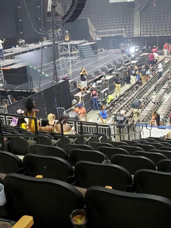 Vystar Veterans Memorial Arena , Abschnitt: 115, Reihe: R, Platz: 13