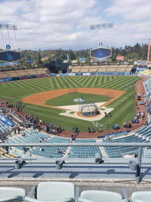 Dodger Stadium, Abschnitt: 3RS, Reihe: 3, Platz: 17