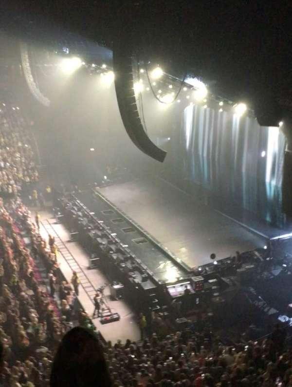 Manchester Arena, Abschnitt: 215, Reihe: C, Platz: 9-12