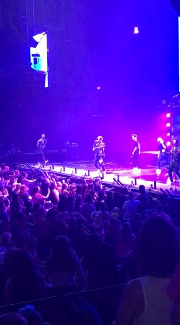 Allstate Arena, Abschnitt: 110, Reihe: G, Platz: 23