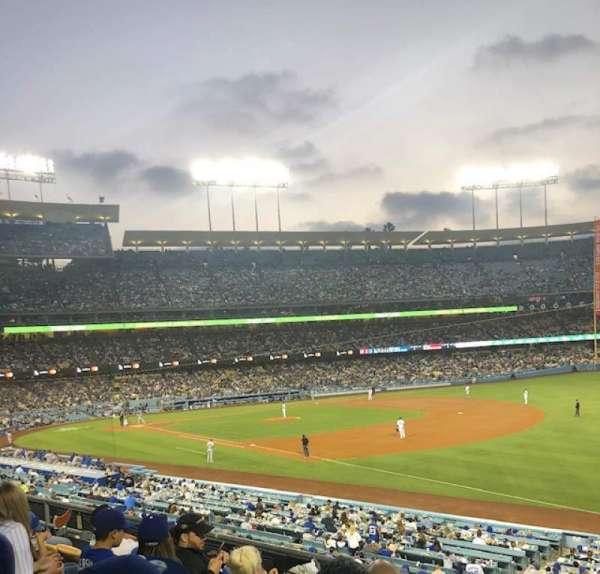 Dodger Stadium, Abschnitt: 154LG, Reihe: E, Platz: 4