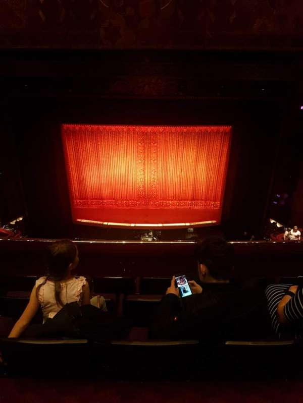 Prince Edward Theatre, Abschnitt: Grand circle, Reihe: E, Platz: 18