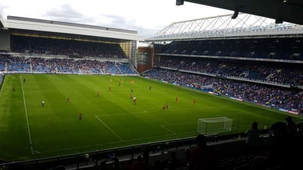 Ibrox Stadium, Abschnitt: BR5, Reihe: M, Platz: 160