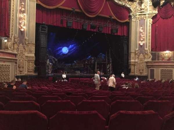 James M. Nederlander Theatre, Abschnitt: Orchestra L, Reihe: X, Platz: 17