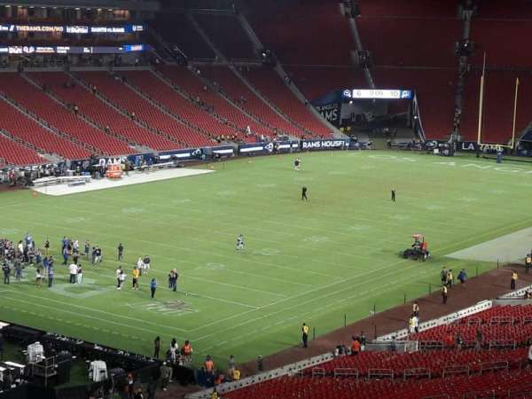 Los Angeles Memorial Coliseum, Abschnitt: 327, Reihe: 1, Platz: 39
