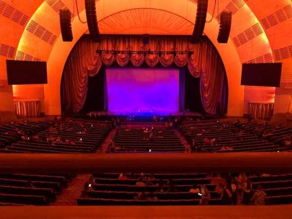 Radio City Music Hall, Abschnitt: 1st Mezzanine 4, Reihe: A, Platz: 407