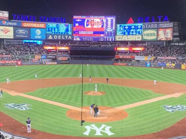 Yankee Stadium, Abschnitt: 220B, Reihe: 3, Platz: 9