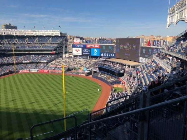 Yankee Stadium, Abschnitt: 409, Reihe: 6, Platz: 2