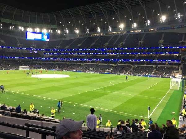 Tottenham Hotspur Stadium, Abschnitt: 260, Reihe: 22, Platz: 413
