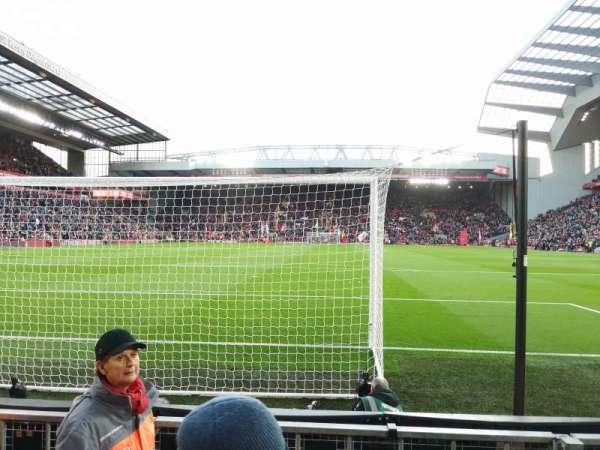 Anfield, Abschnitt: 124, Reihe: 3, Platz: 100