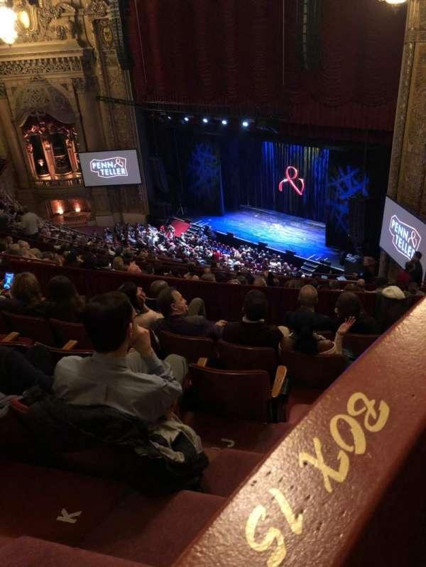 Chicago Theatre, Abschnitt: Balcony box 15
