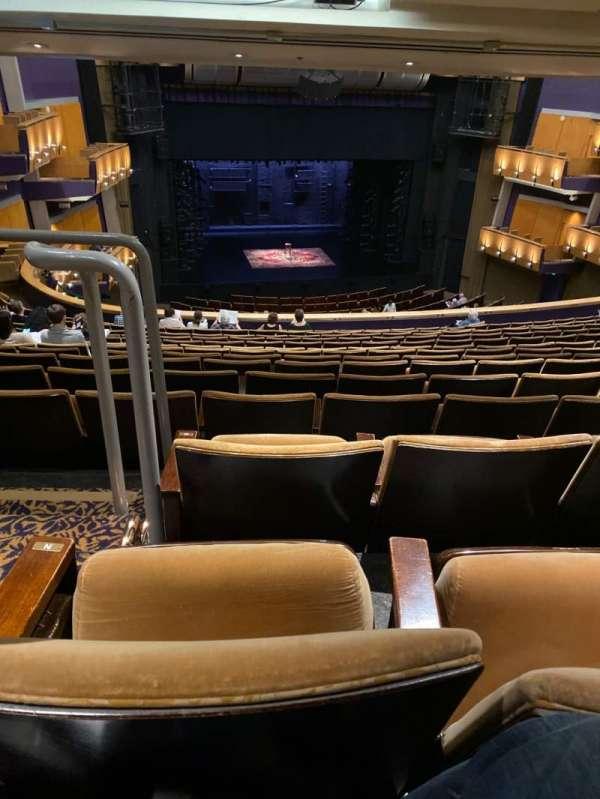 Ahmanson Theatre, Abschnitt: Mezzanine, Reihe: P, Platz: 32