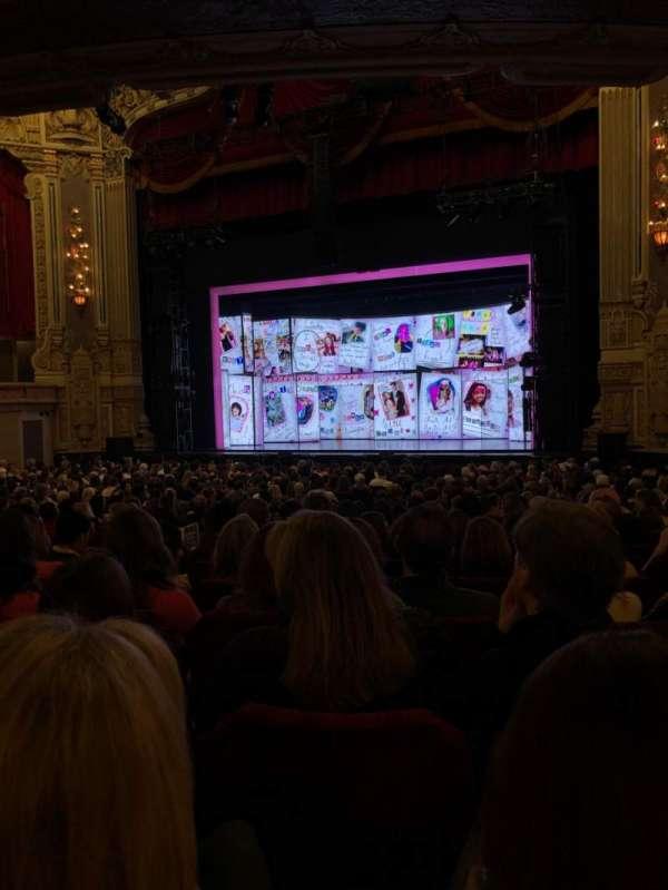 James M. Nederlander Theatre, Abschnitt: Orchestra R, Reihe: Y, Platz: 20