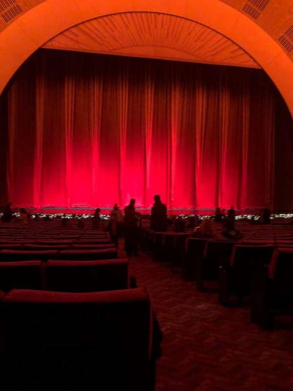 Radio City Music Hall, Abschnitt: Orchestra 5, Reihe: XX, Platz: 501