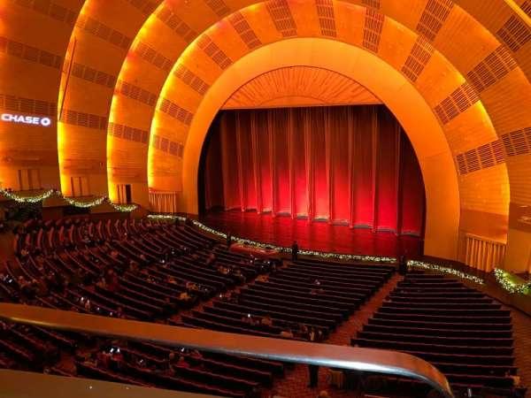 Radio City Music Hall, Abschnitt: 2nd Mezzanine 1, Reihe: BB, Platz: 110