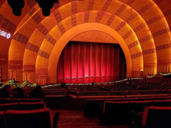 Radio City Music Hall, Abschnitt: 1st Mezzanine 7, Reihe: E, Platz: 701