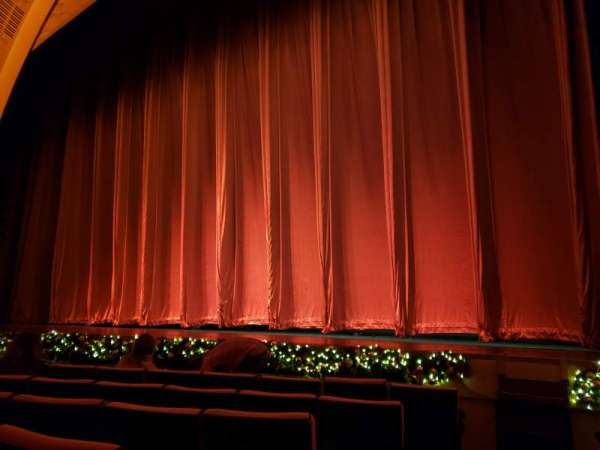 Radio City Music Hall, Abschnitt: Orchestra 2, Reihe: HH, Platz: 214