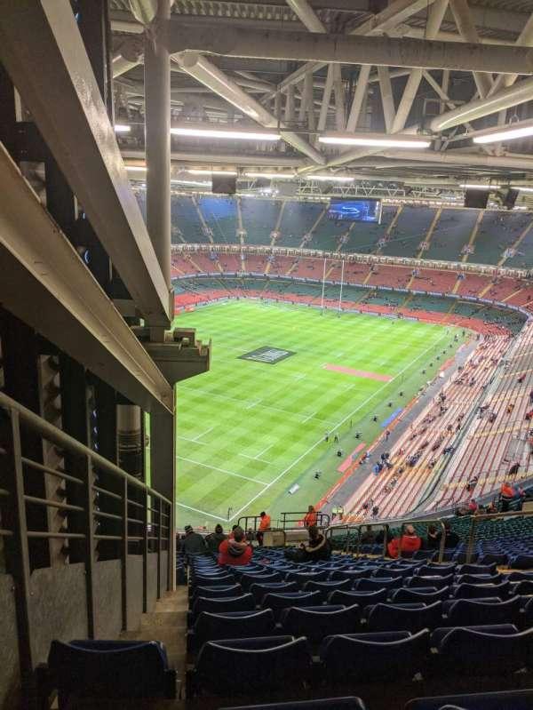 Principality Stadium, Abschnitt: U37, Reihe: 33, Platz: 26