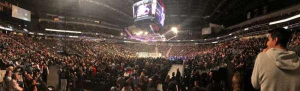 T-Mobile Arena, Abschnitt: 2, Reihe: E, Platz: 13
