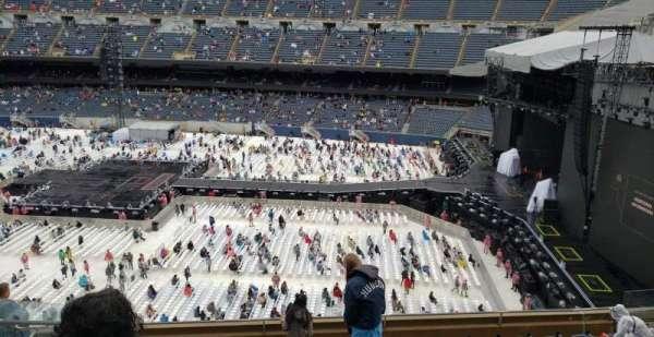 Soldier Field, Abschnitt: 305, Reihe: 10, Platz: 6