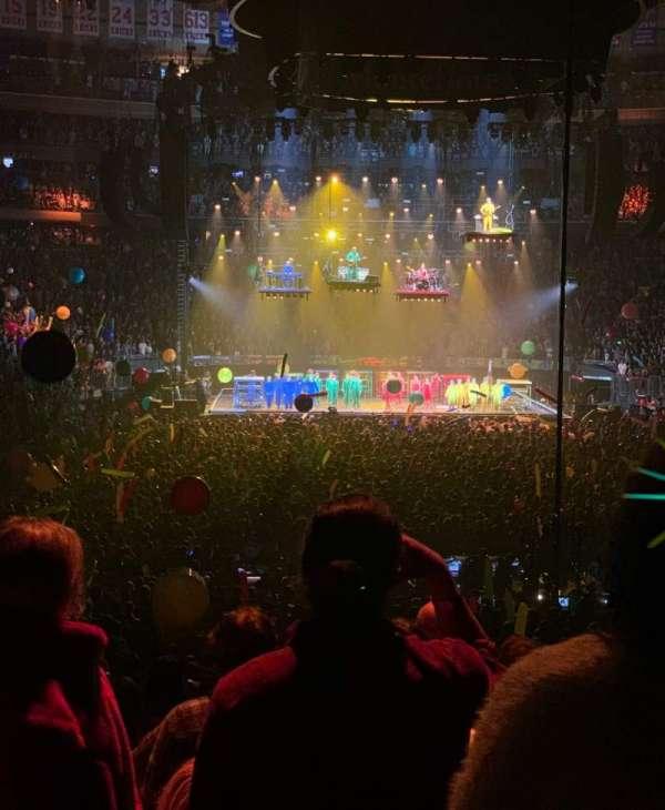 Madison Square Garden, Bereich: 102, Reihe: 12, Platz: 1