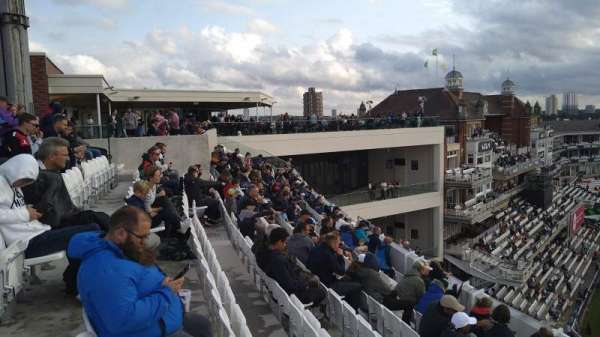 Kia Oval, Bereich: Lock Balcony, Reihe: Bar, Platz: Bar