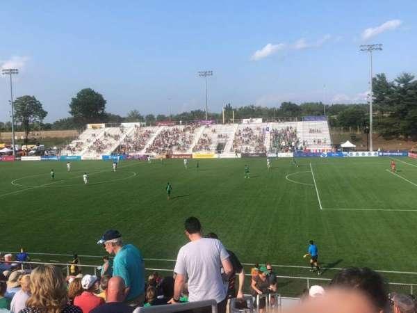 Dillon Stadium, Bereich: 8, Reihe: P, Platz: 23