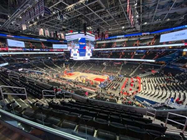 Capital One Arena, Abschnitt: Suite 216, Platz: 5
