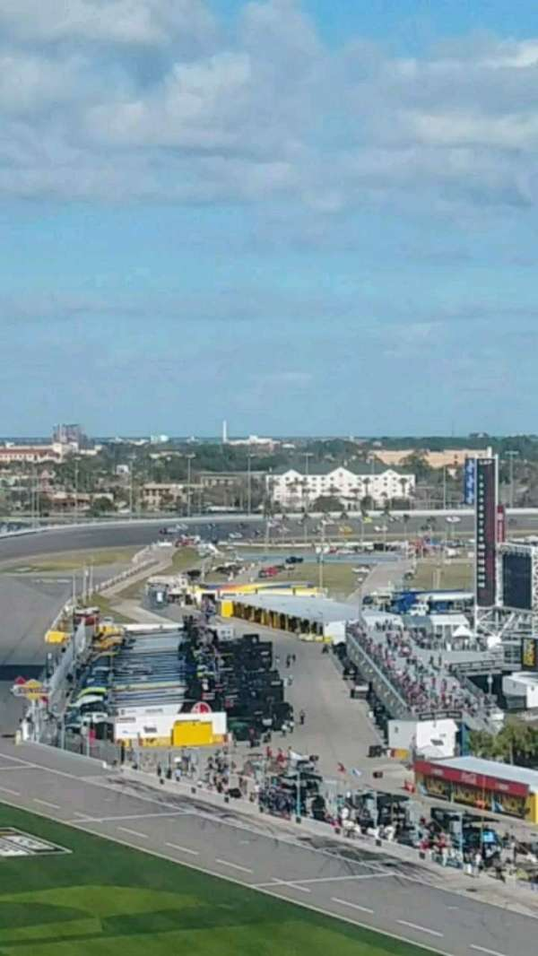 Daytona International Speedway, Abschnitt: 463, Reihe: 32, Platz: 11