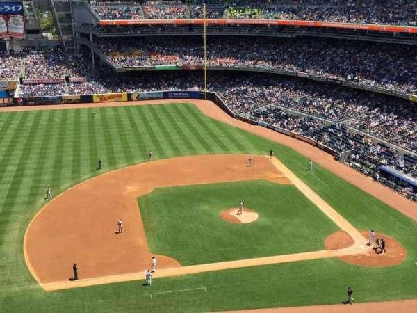 Yankee Stadium, Abschnitt: 425, Reihe: 3, Platz: 3