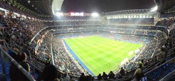 Santiago Bernabéu Stadium, Abschnitt: 516, Reihe: 8, Platz: 21