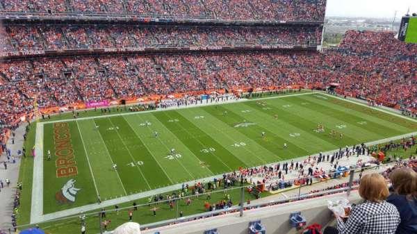 Broncos Stadium at Mile High, Abschnitt: 512, Reihe: 4, Platz: 10