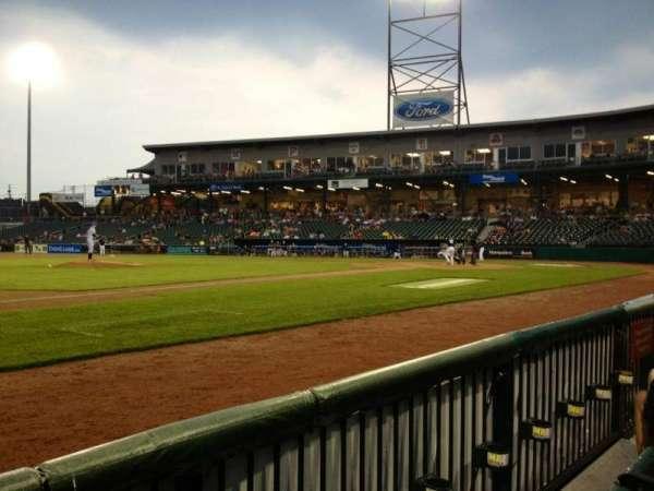 Northeast Delta Dental Stadium, Abschnitt: 104, Reihe: B, Platz: 10