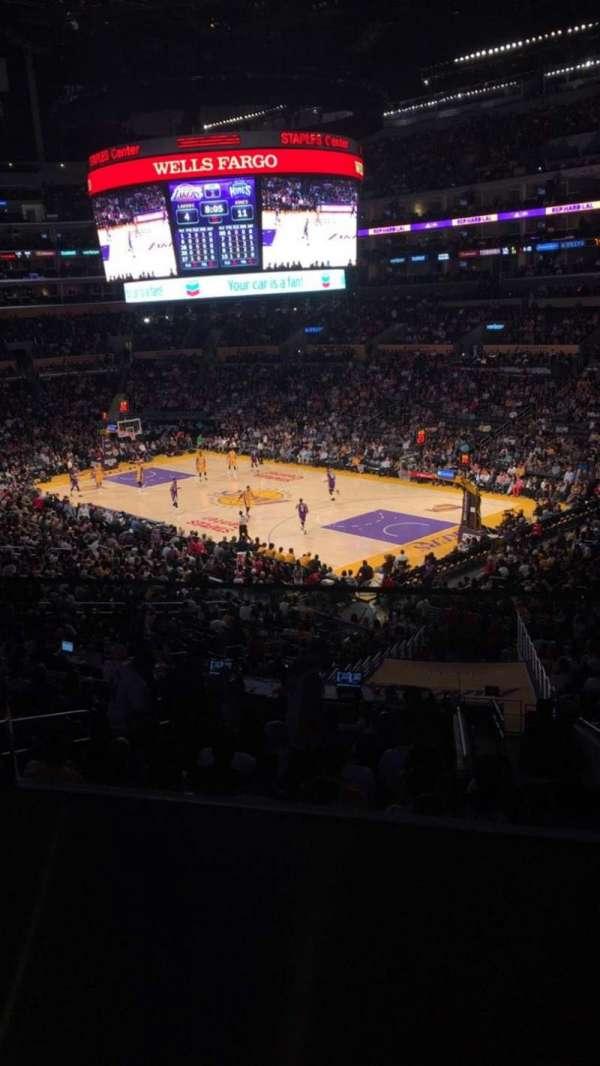 Staples Center, Abschnitt: Suite A2, Reihe: GA, Platz: 8