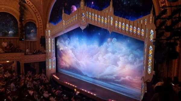 Eugene O'Neill Theatre, Abschnitt: Mezzanine C, Reihe: B, Platz: 26