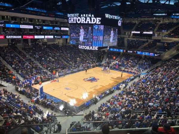 Wintrust Arena, Abschnitt: 229, Reihe: F, Platz: 13