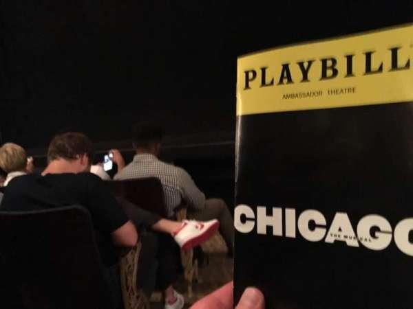 Ambassador Theatre, Abschnitt: OrchR, Reihe: B, Platz: 2