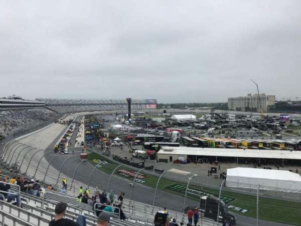 Dover International Speedway, Abschnitt: 225, Reihe: 24, Platz: 4