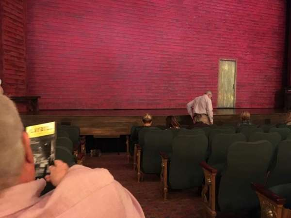 Shubert Theatre, Abschnitt: Orchestra L, Reihe: J, Platz: 1