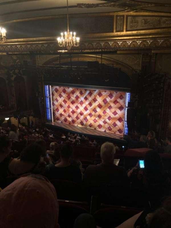 Brooks Atkinson Theatre, Abschnitt: Rear Mezz, Reihe: M, Platz: 18