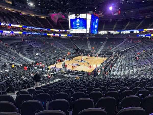 T-Mobile Arena, Abschnitt: 2, Reihe: W, Platz: 5