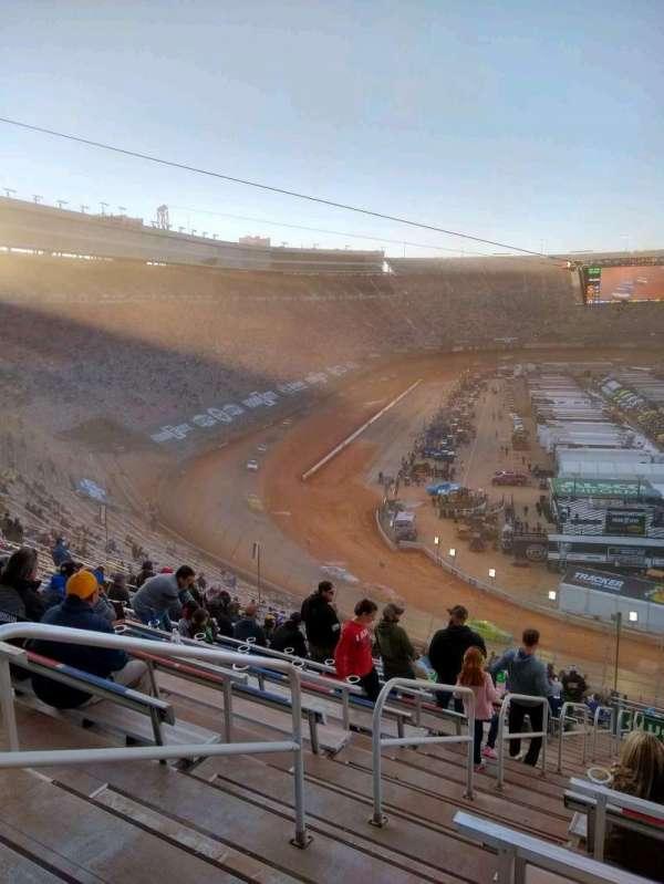 Bristol Motor Speedway, Bereich: waltrip u, Reihe: 52, Platz: 18