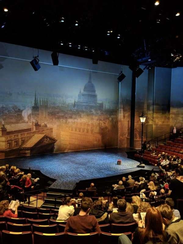 Vivian Beaumont Theater, Abschnitt: ORCH, Reihe: N, Platz: 207