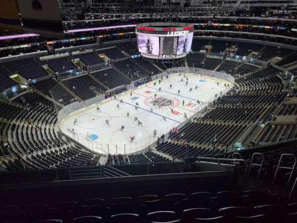 Staples Center, Bereich: 323, Reihe: 10, Platz: 6